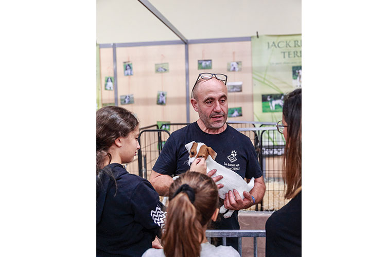 Eleveur Le village des chiens de race Paris Animal Show